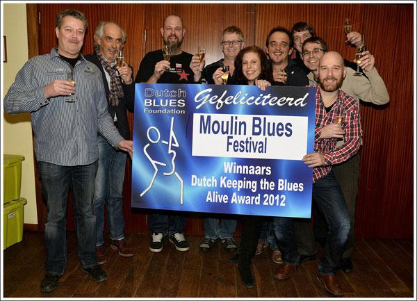 Moulin-Blues-ontvangt-Keeping-The-Blues-Alive-Award