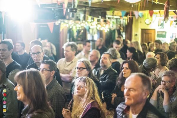 20 Jaar Bluescafe Apeldoorn,  met The Juke Joints En Bas Paardekooper & The Blew Crue, 4 Januari 2014